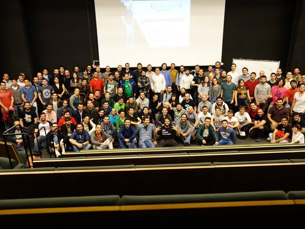 XXIII edición de Betabeers Sevilla, especial videjuegos | 21/04/16 — Yo en el centro de la imagen